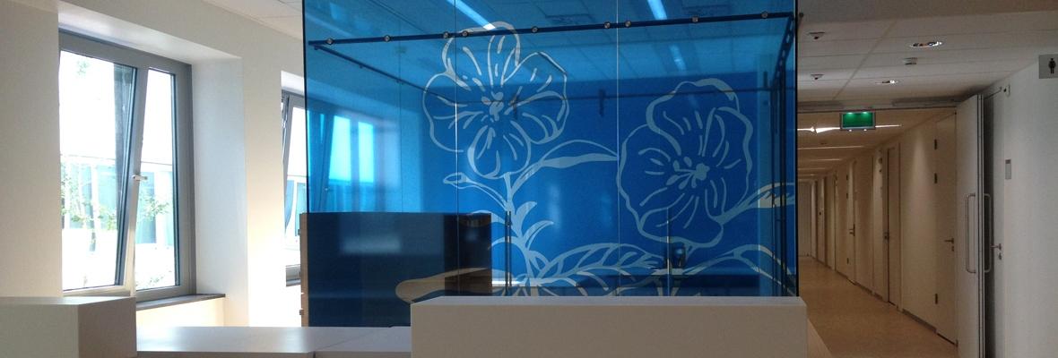 Glaswand voorzien van raamfolie met fotoprint metroxl - Tapijt tegel metro ...