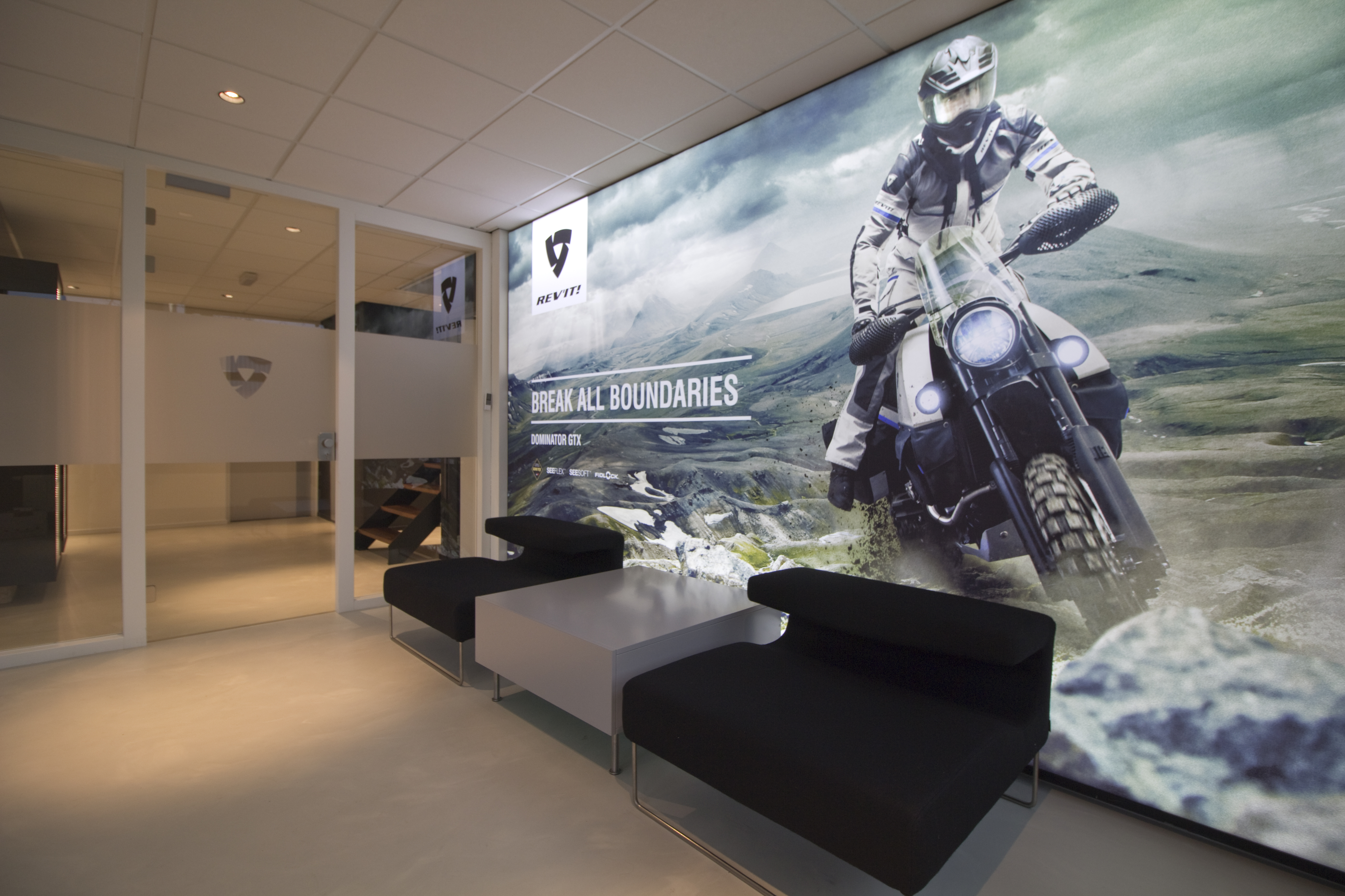 Rev it kiest voor interieur graphics metroxl metroxl