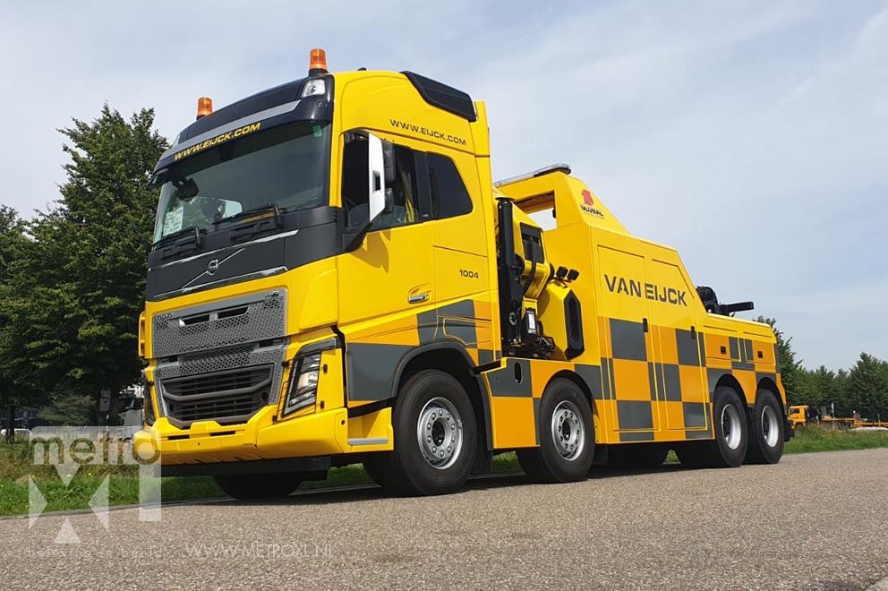 Belettering vrachtwagen Volvo Van Eijck bergingsvoertuig Battenburgpatroon 3M reflective