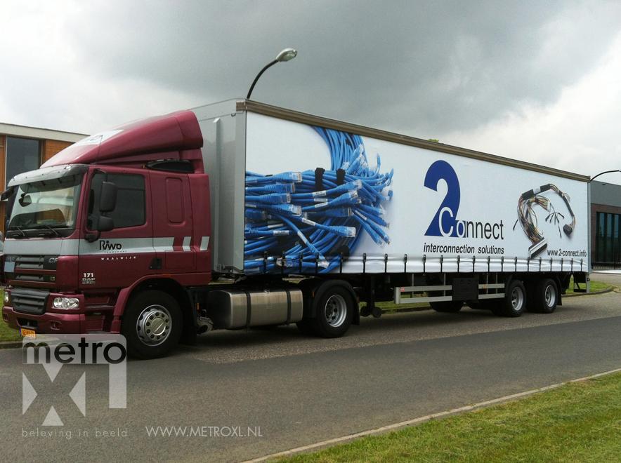 Belettering vrachtwagenzeil 2connect Waalwijk