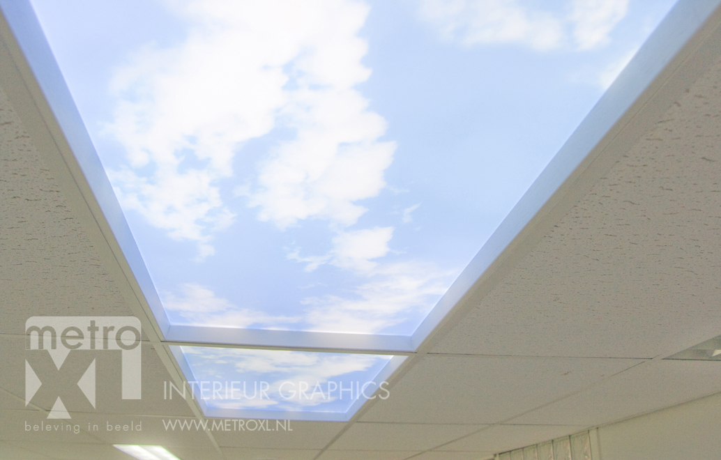 Lumiwall in plafond lucht wolken