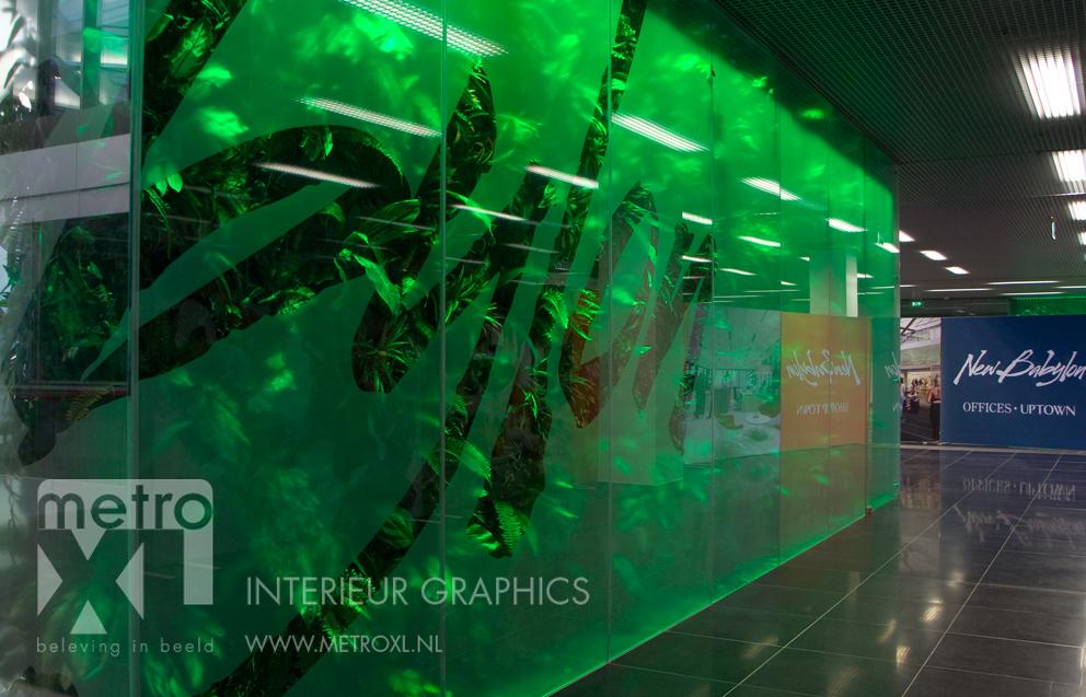 Etsglas op glaswanden winkelcomplex New Babylon