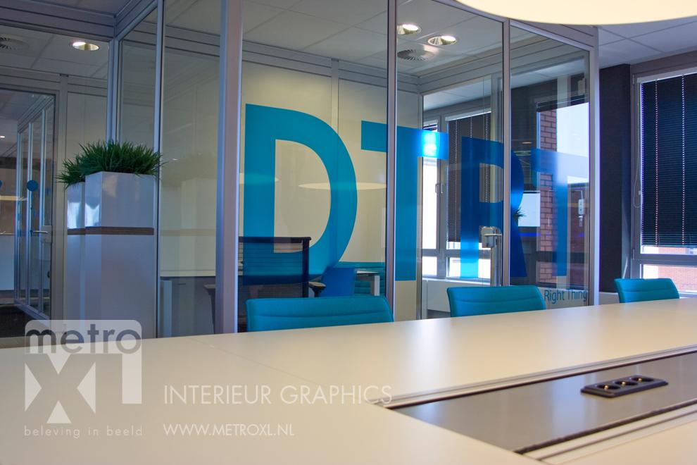 Transparant gesneden full-colour raamfolie blauw DTRT