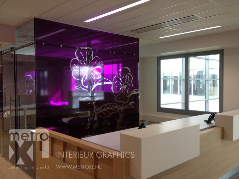 Transparant full-colour raamfolie bloem paars