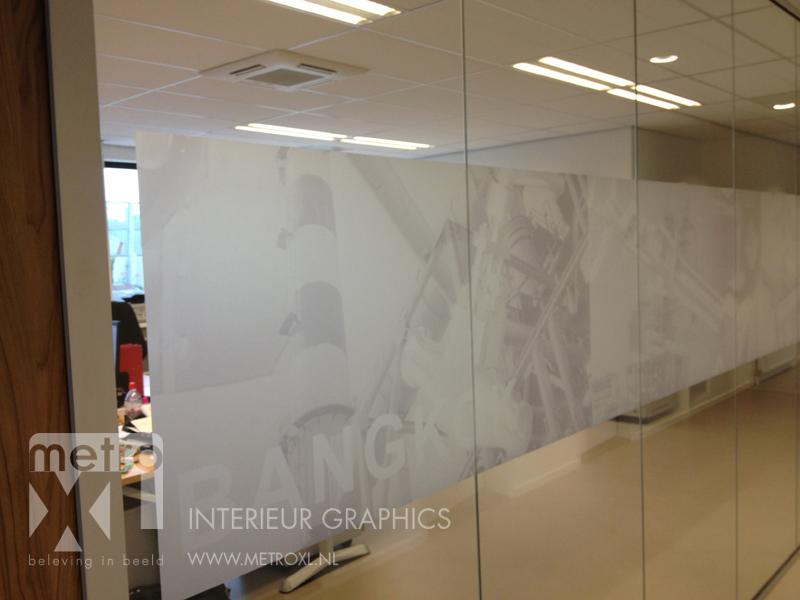 Geprinte raamfolie op glaswand